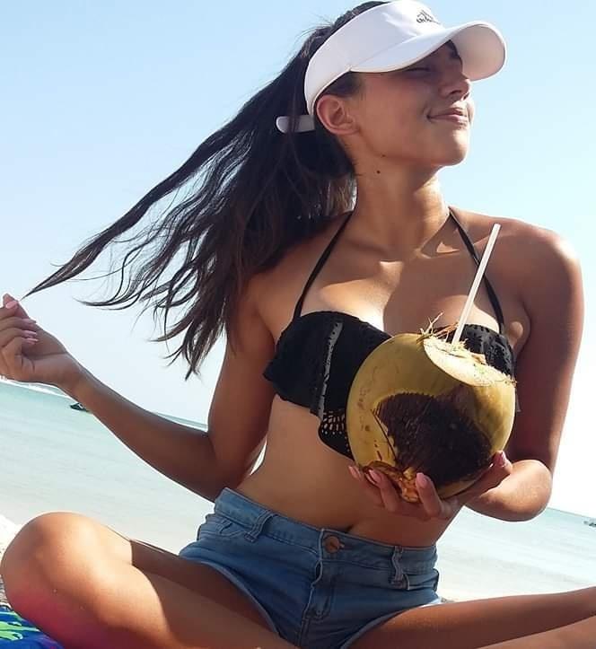Sofia Llanes deliciosa tetona con lindo cuerpo Sofia Llanes