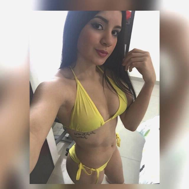 Nataly pack de una rica jovencita tetona + VIDEOS COGIENDO Nataly