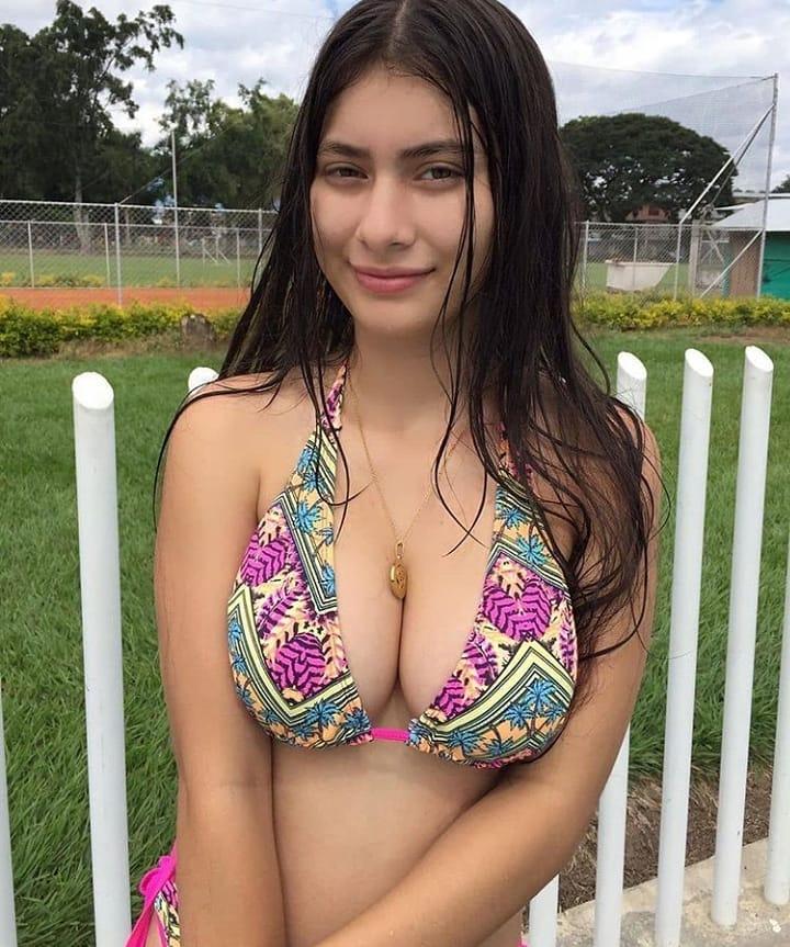 Karol Mendoza hermosa blanquita tetona + VIDEOS Karol Mendoza