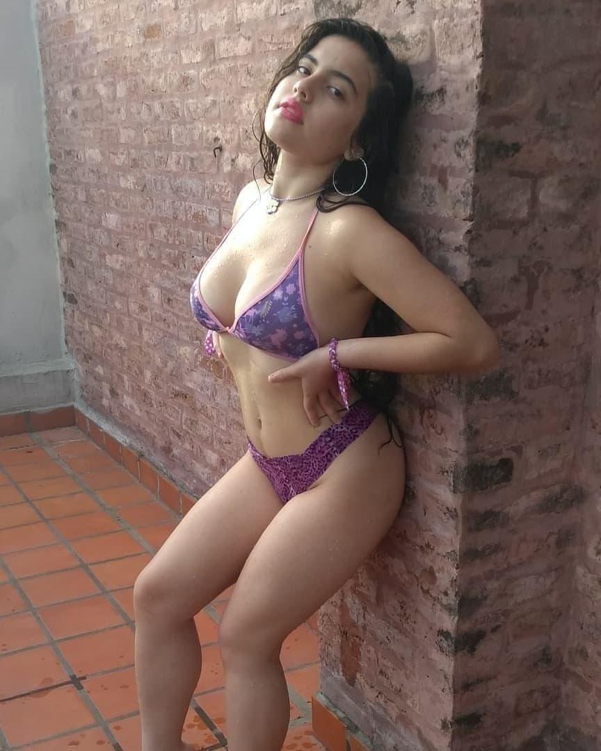 Pack casero de blanquita culona + VIDEOS COGIENDO Blanquita culona