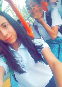 Vanessa pack casero de colegiala Colombiana Colegiala colombiana