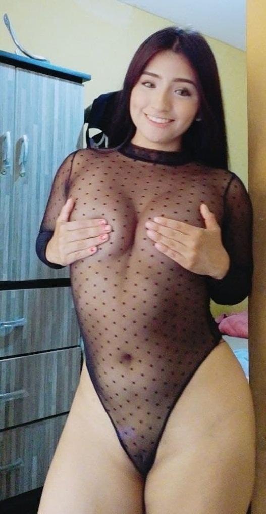 Chica con buen culo + Videos cogiendo