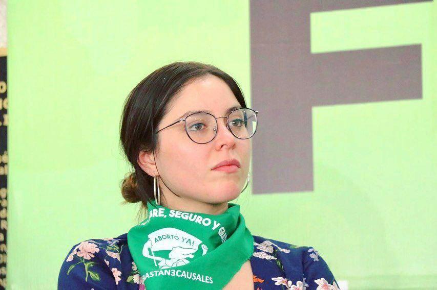 Feminista Mexicana le filtran super pack con polla de 20cm